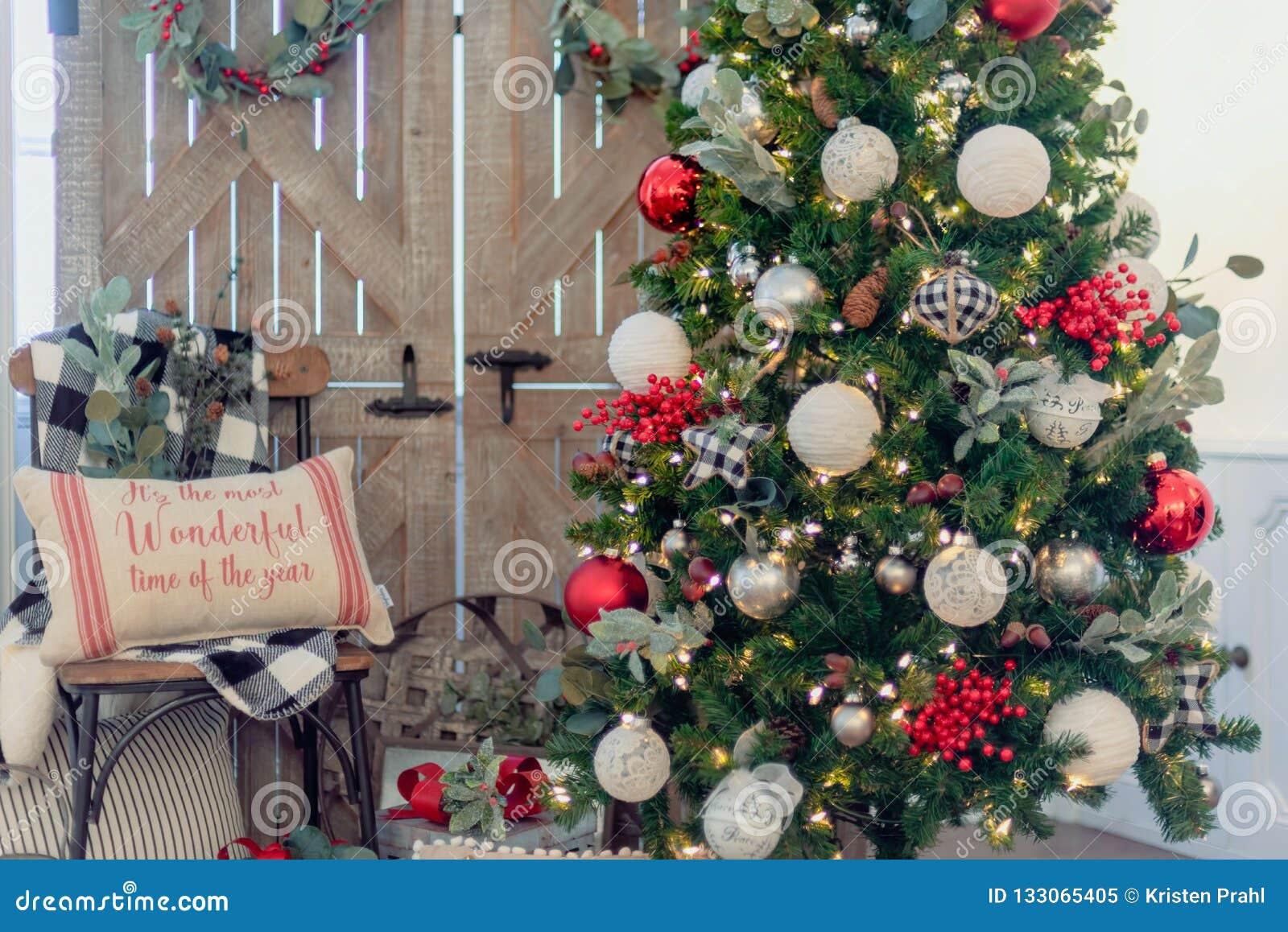 1 134 Farmhouse Christmas Photos Free Royalty Free Stock Photos From Dreamstime