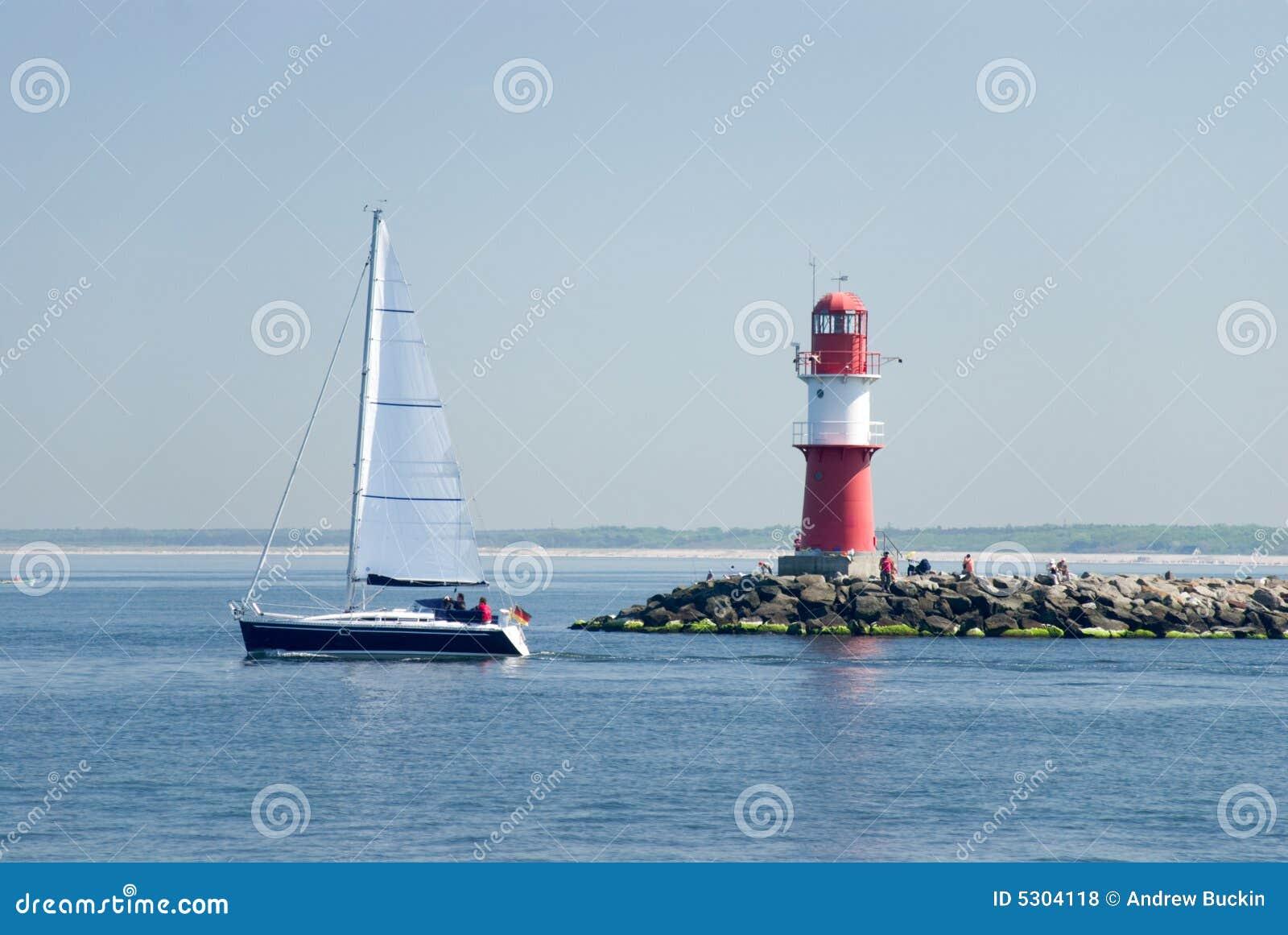 Download Faro fotografia stock. Immagine di ventoso, scenico, storico - 5304118