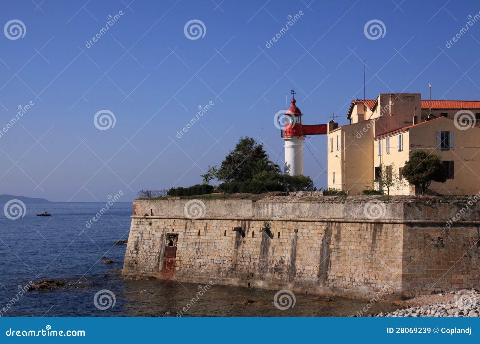 Faro C?rcega Francia del puerto de Ajacio