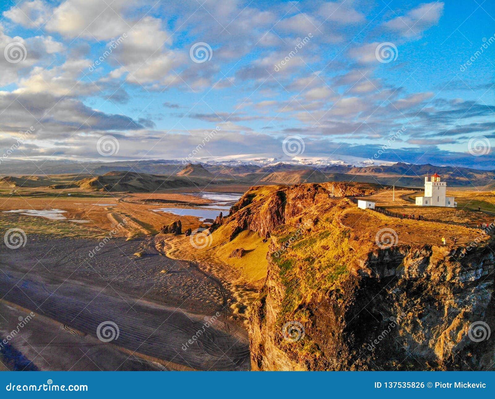 Faro di Dyrholaey Vik l islanda