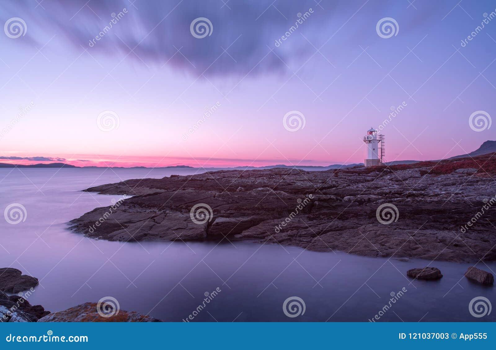 Faro di Rhue al tramonto