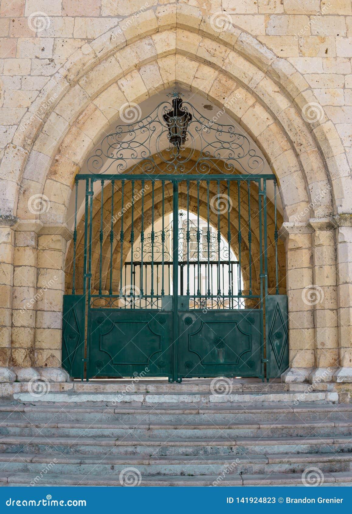 Faro Portugal, Eingangstor zur alten europäischen Kathedrale