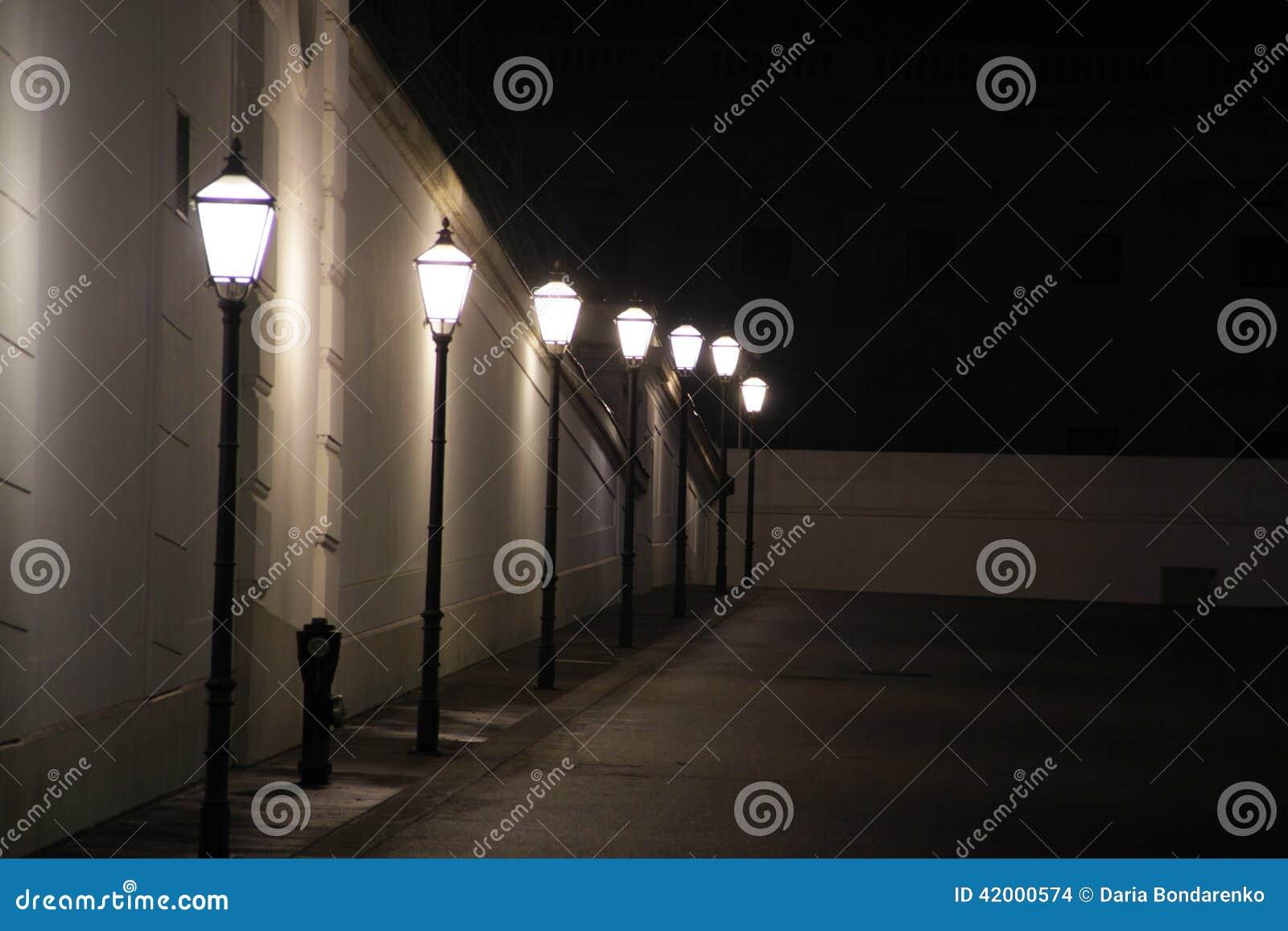 Farola en la noche