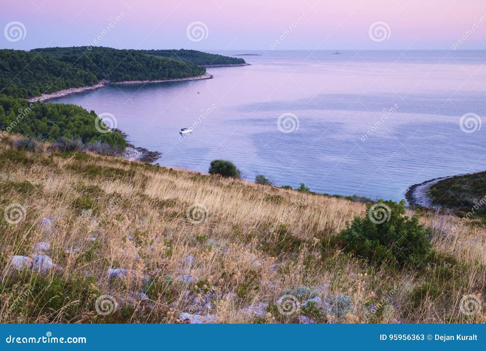 Fartyg i den Dumbocica lilla viken