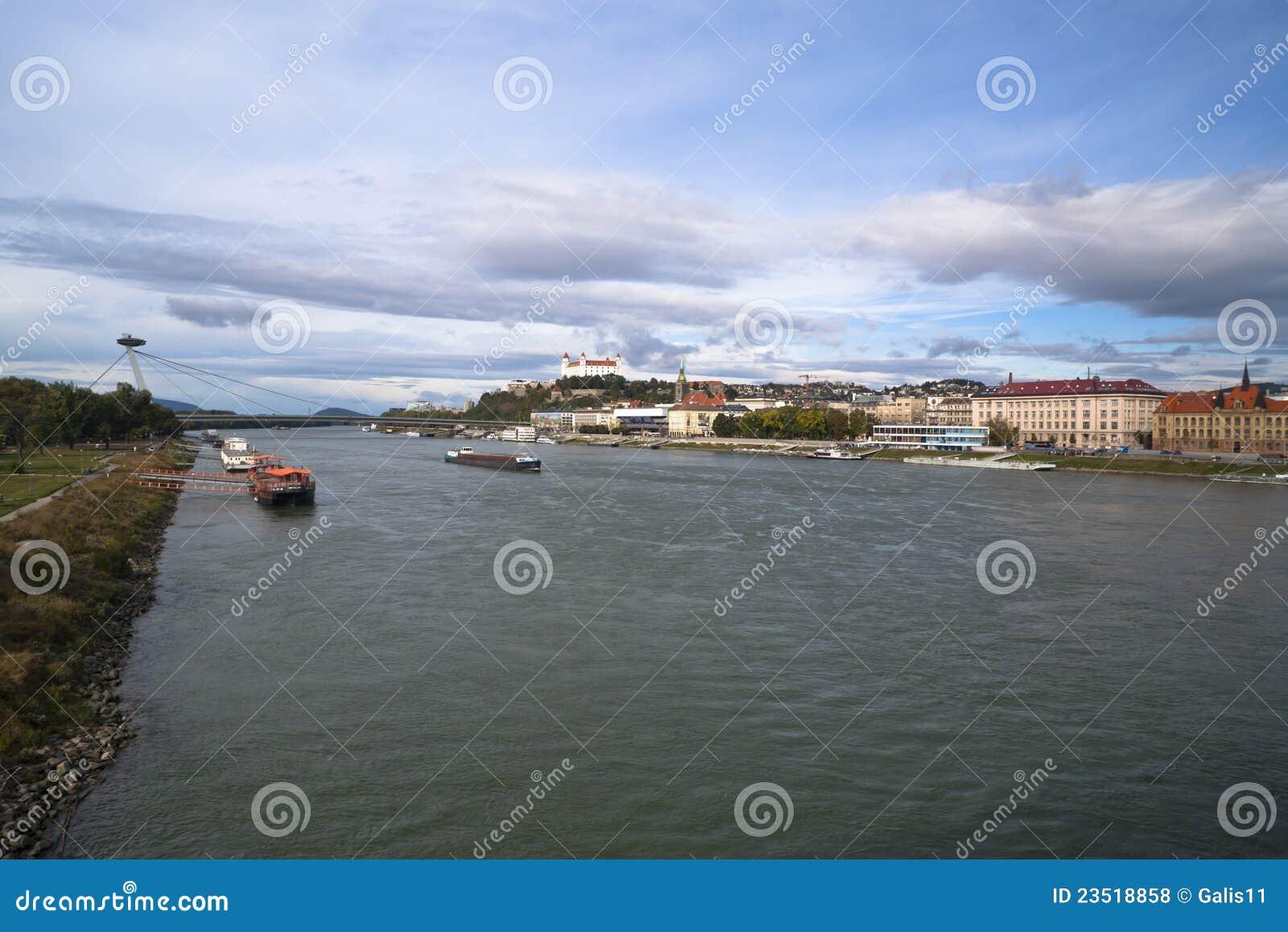 Fartyg på Danubet River
