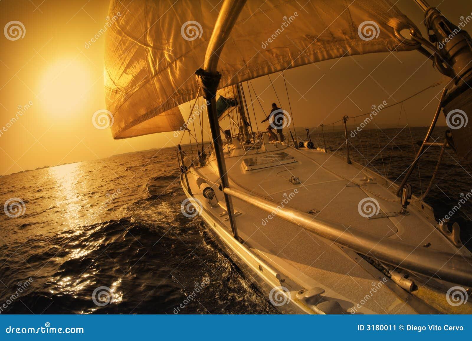 Fartyget seglar
