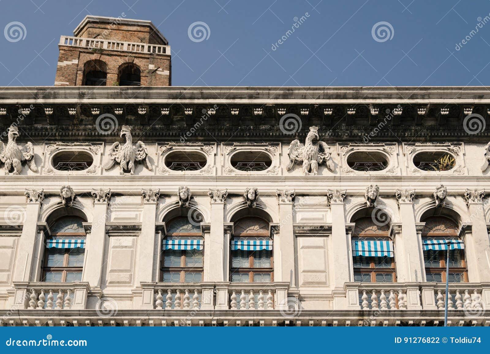 Fasad av en Venetian slott