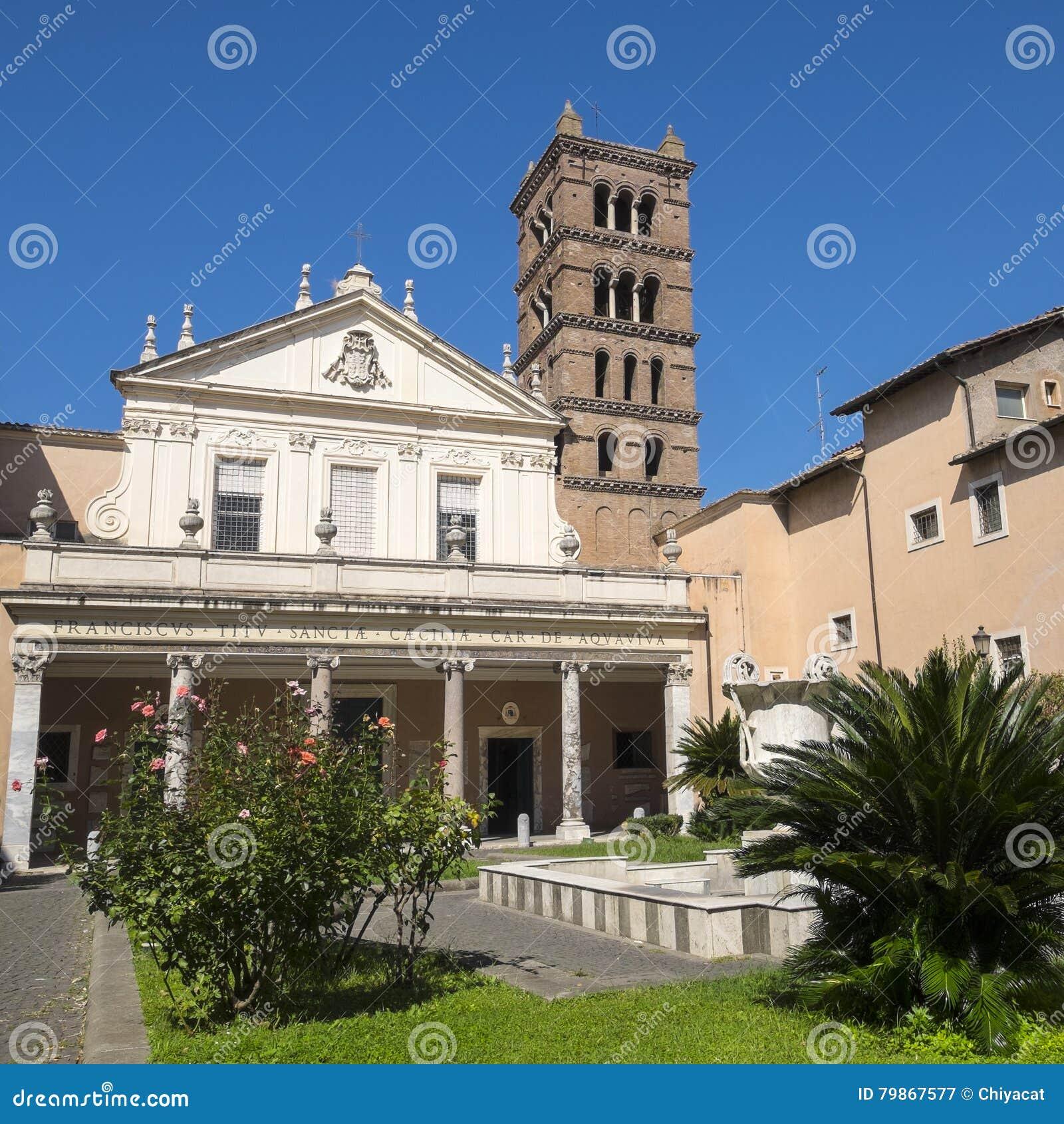 Fasada Santa Cecilia ` s kościół w Trastevere Rzym