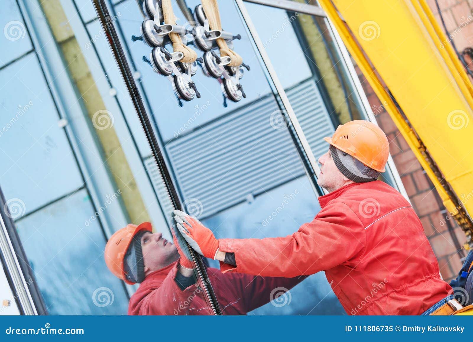 Fasadowa szklanego okno instalacja
