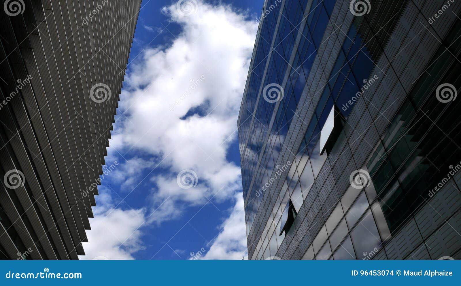 Fasadowy budynek