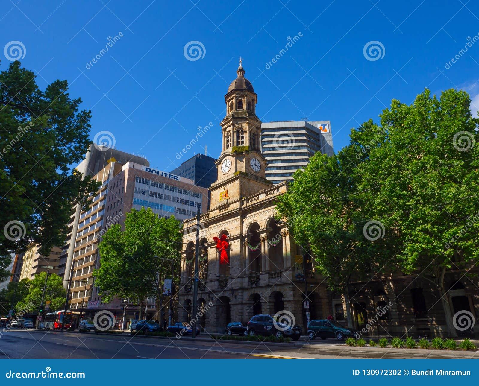 Fasadowy budynek urząd miasta jest punktu zwrotnego budynkiem na królewiątka William ulicie w Adelaide, Południowy Australia