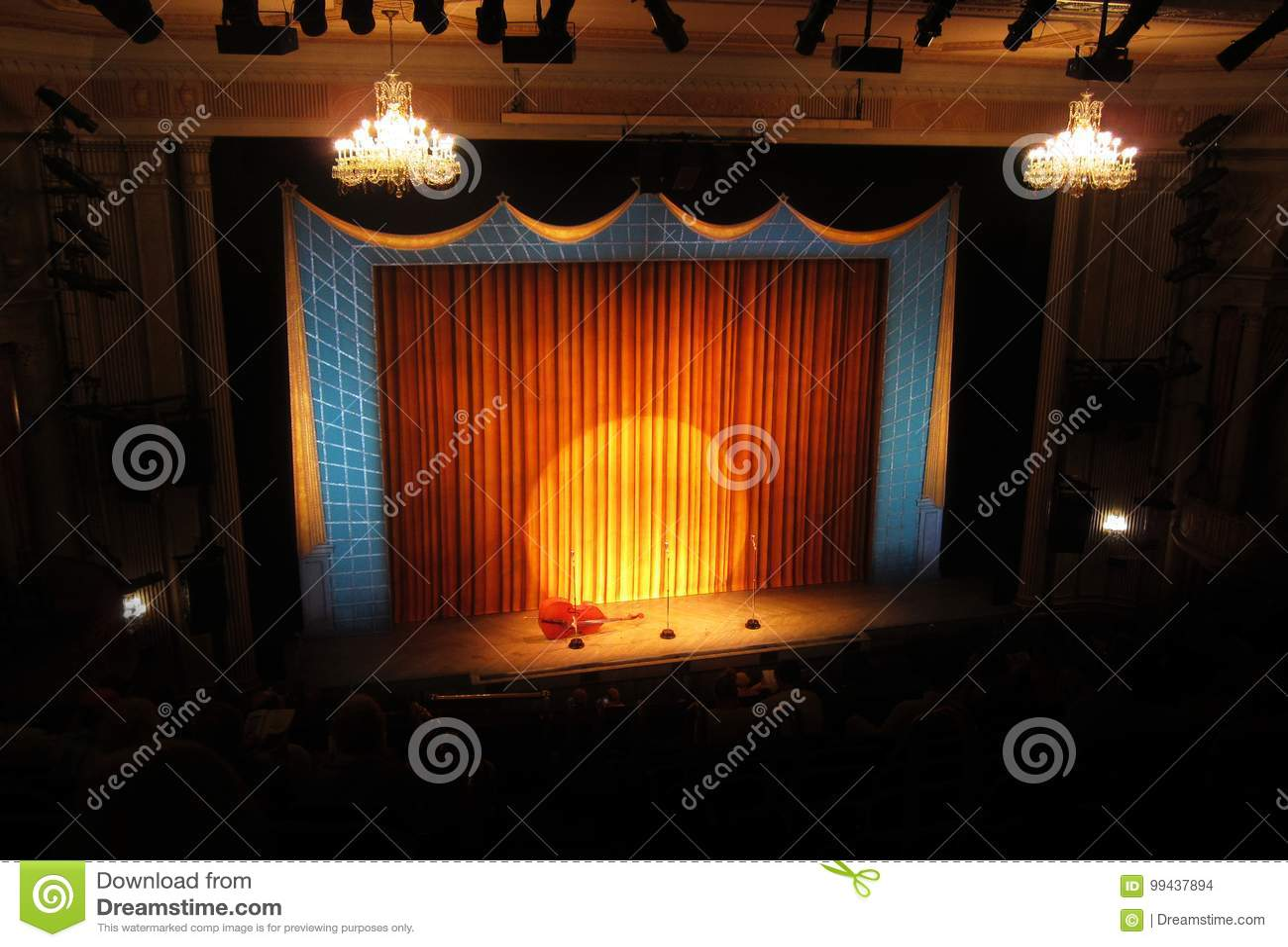 Fase de Broadway com projetor