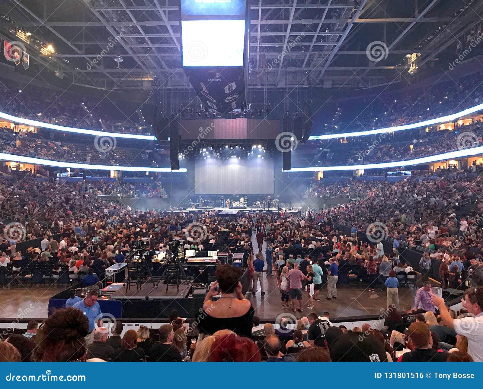 Fase que é instalação para a viagem em Amalie Arena In Tampa