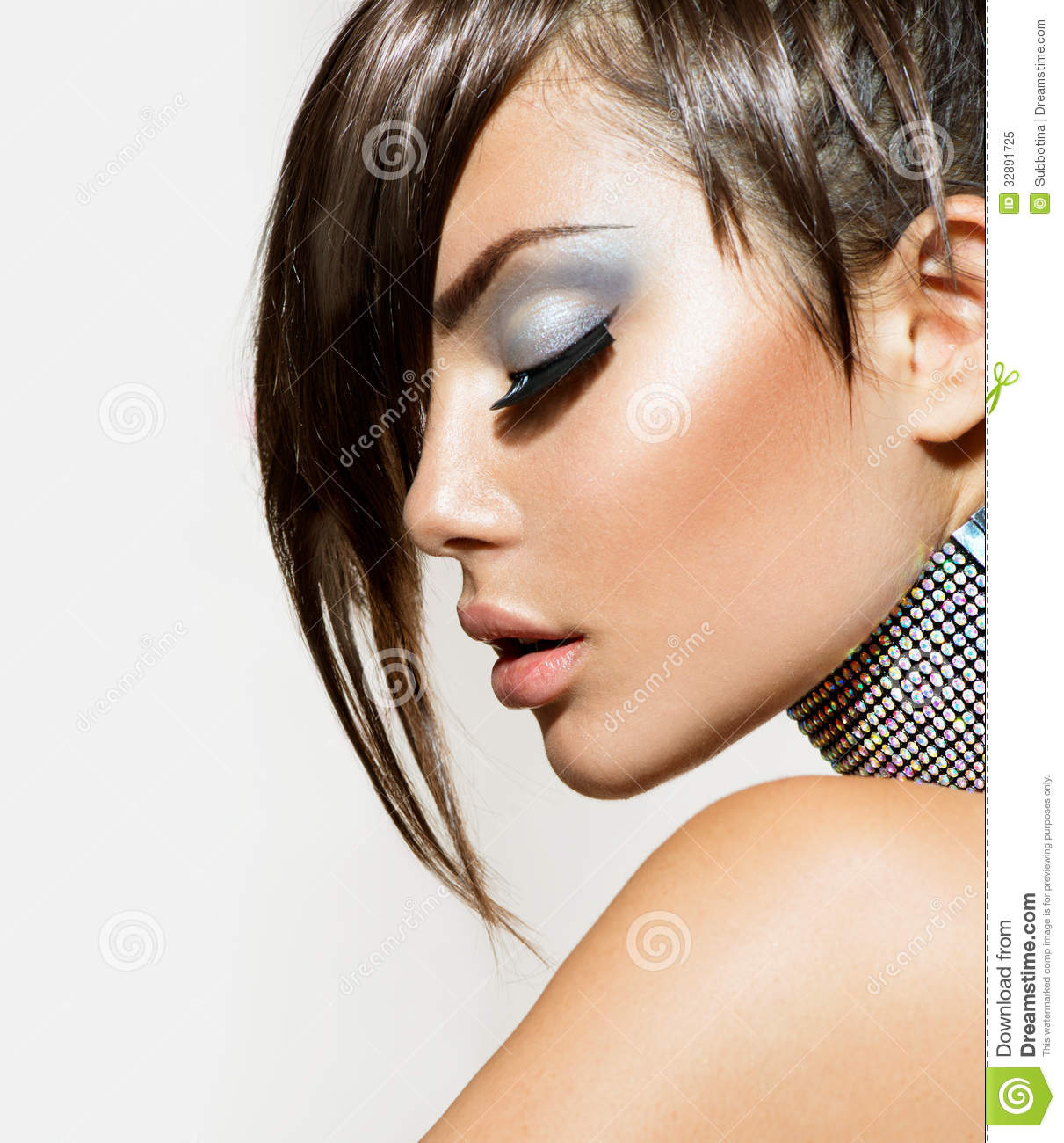 Fashion Beauty: Fashion Beauty Girl Stock Image. Image Of Hairstyle, Dark