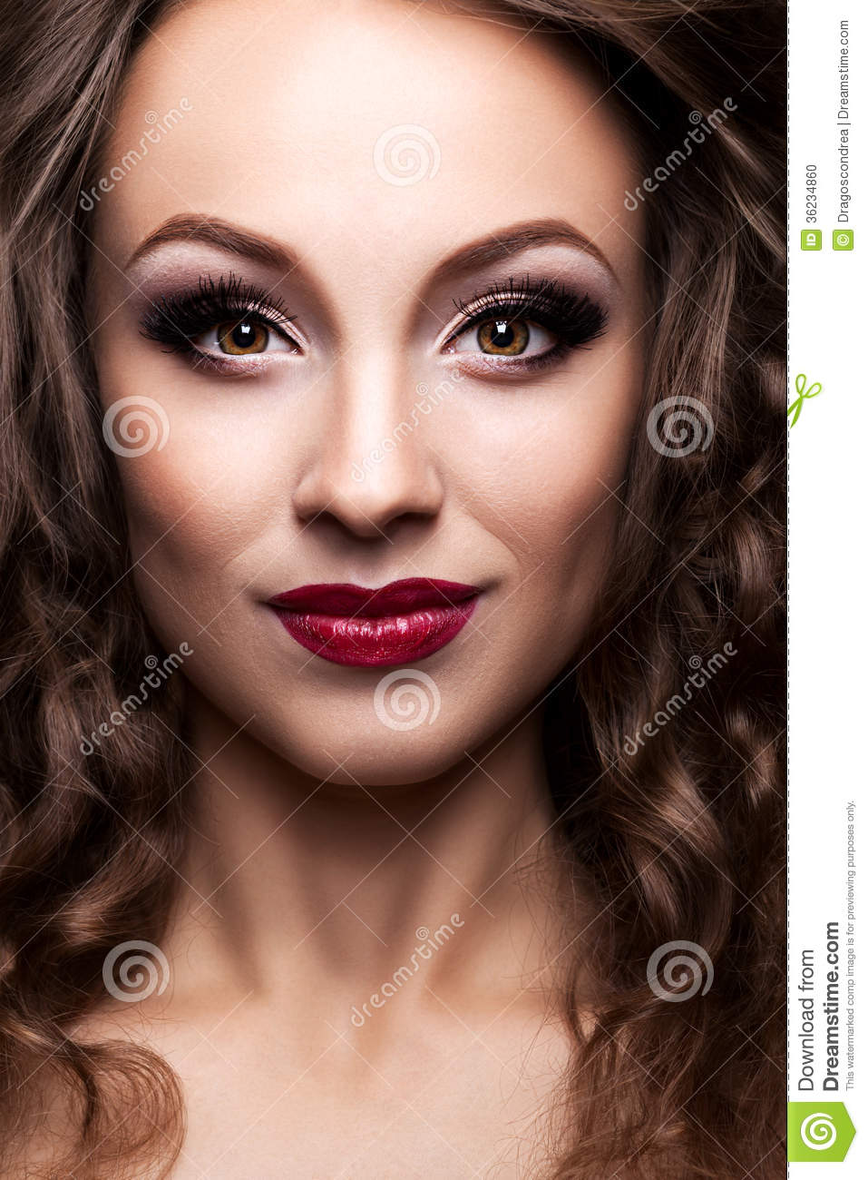Beauty Portrait Of A Young Beautiful Teen Girl Stock: Fashion Beauty Portrait Of Beautiful Girl With
