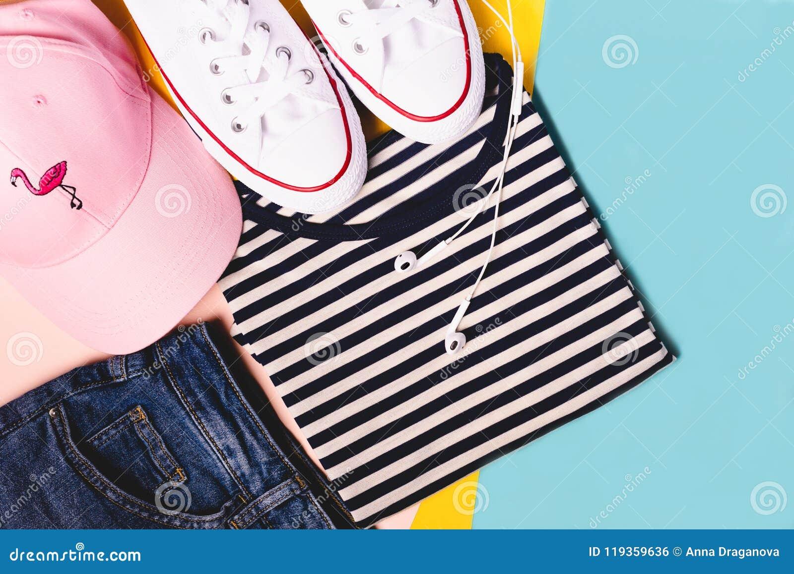 80c4fd97e369 Fashion Blogger Concept. Summer Sport