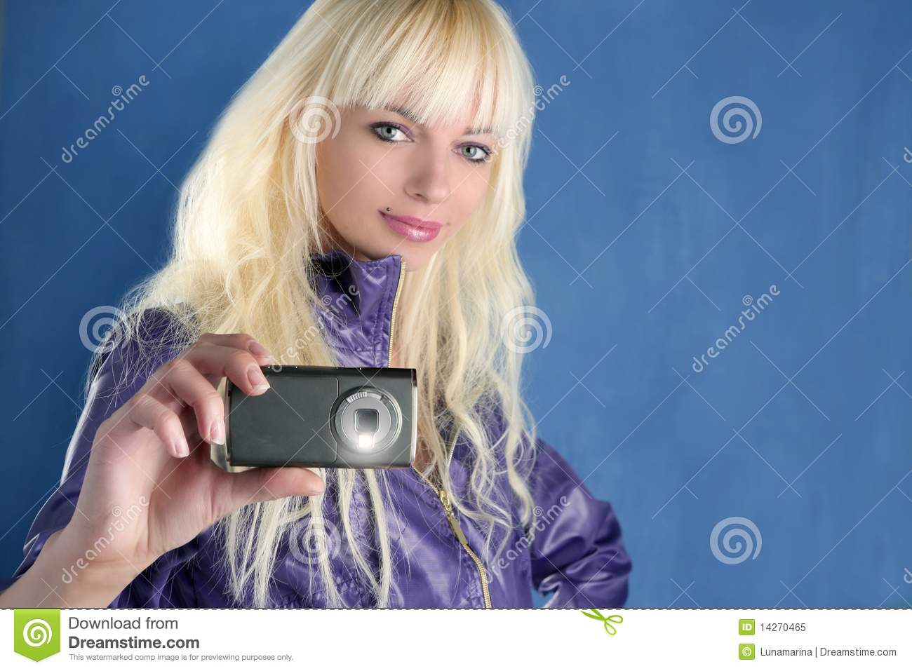 Blonde fucked on cell phone cam