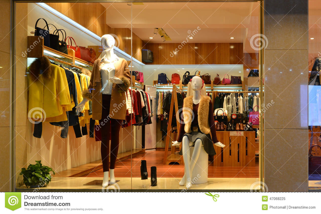 Fashion Boutique Display Window With Mannequins Go