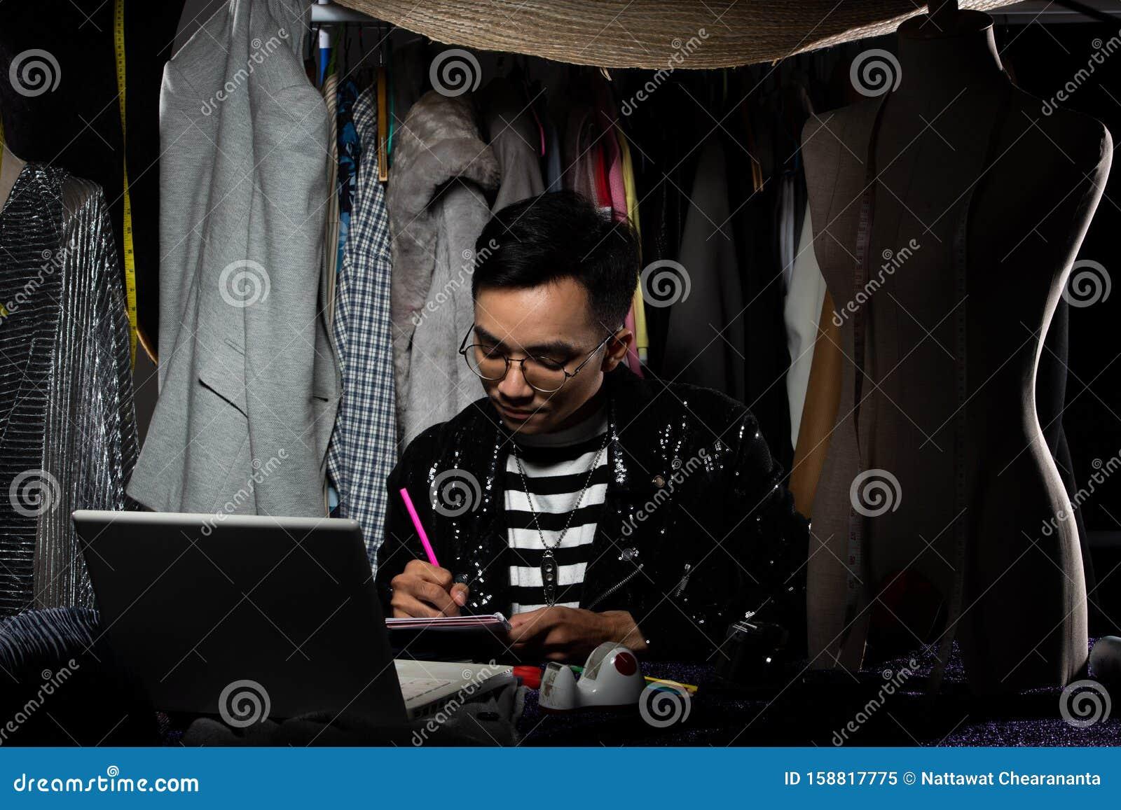 Fashion Designer Check Order Sale Growth Notebook Stock Image Image Of Designer Office 158817775