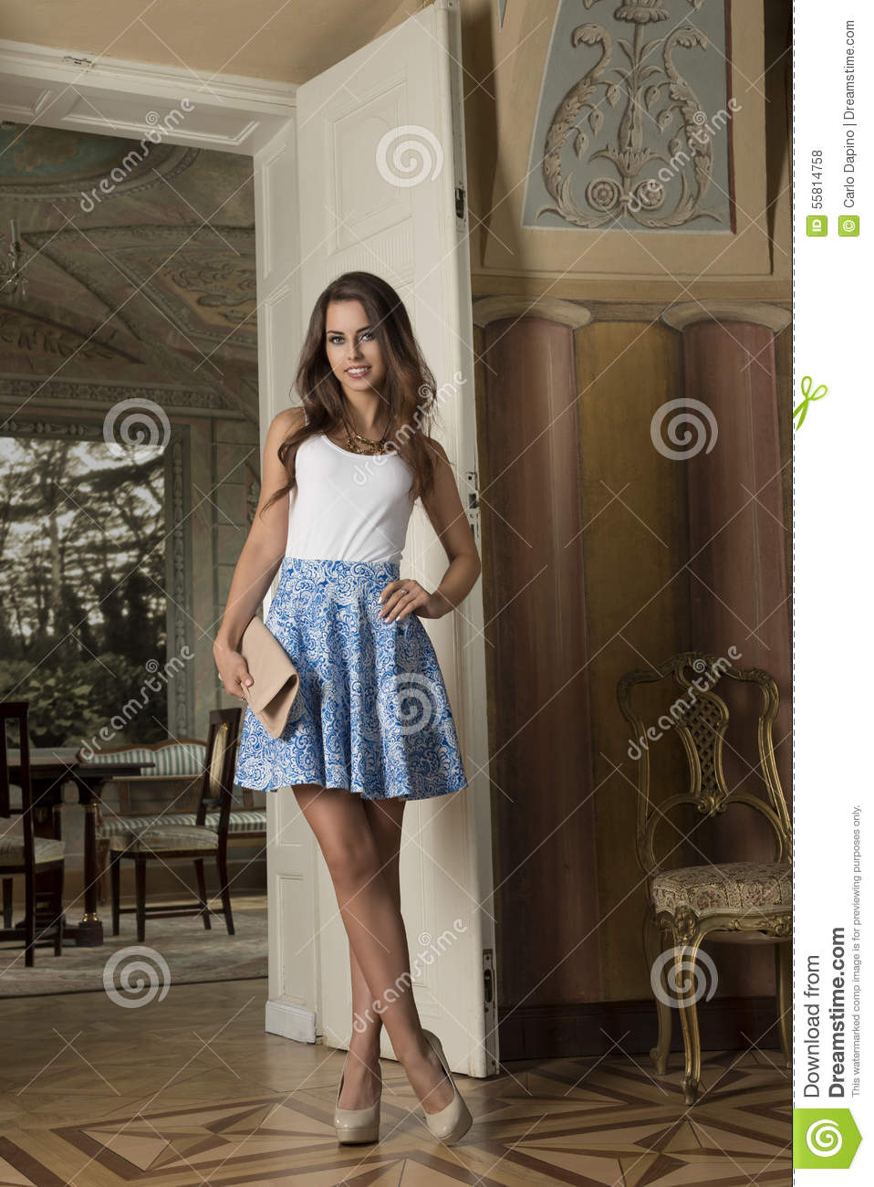 Old Classic Cars >> Fashion Girl In Antique Palace Stock Photo - Image: 55814758
