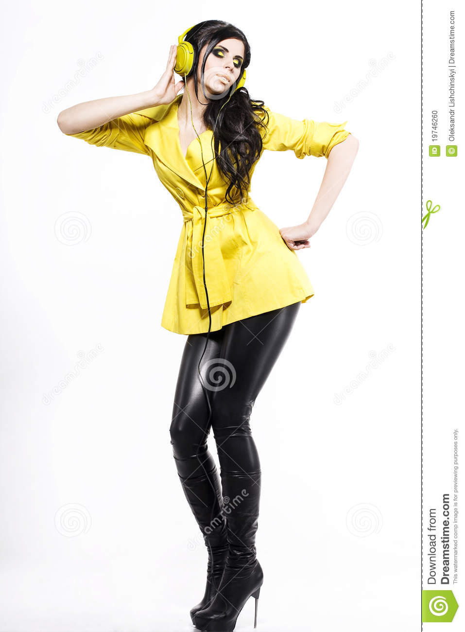 Fashion girl with a Ear-phones