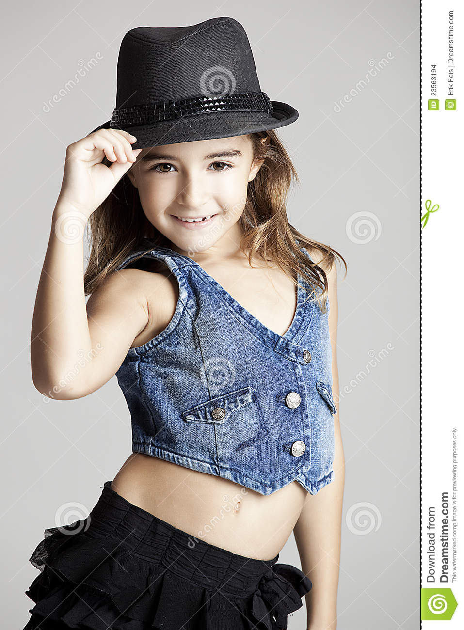 Little Girls Nails And Girls On Pinterest: Fashion Little Girl Stock Photo. Image Of Color, Brunette
