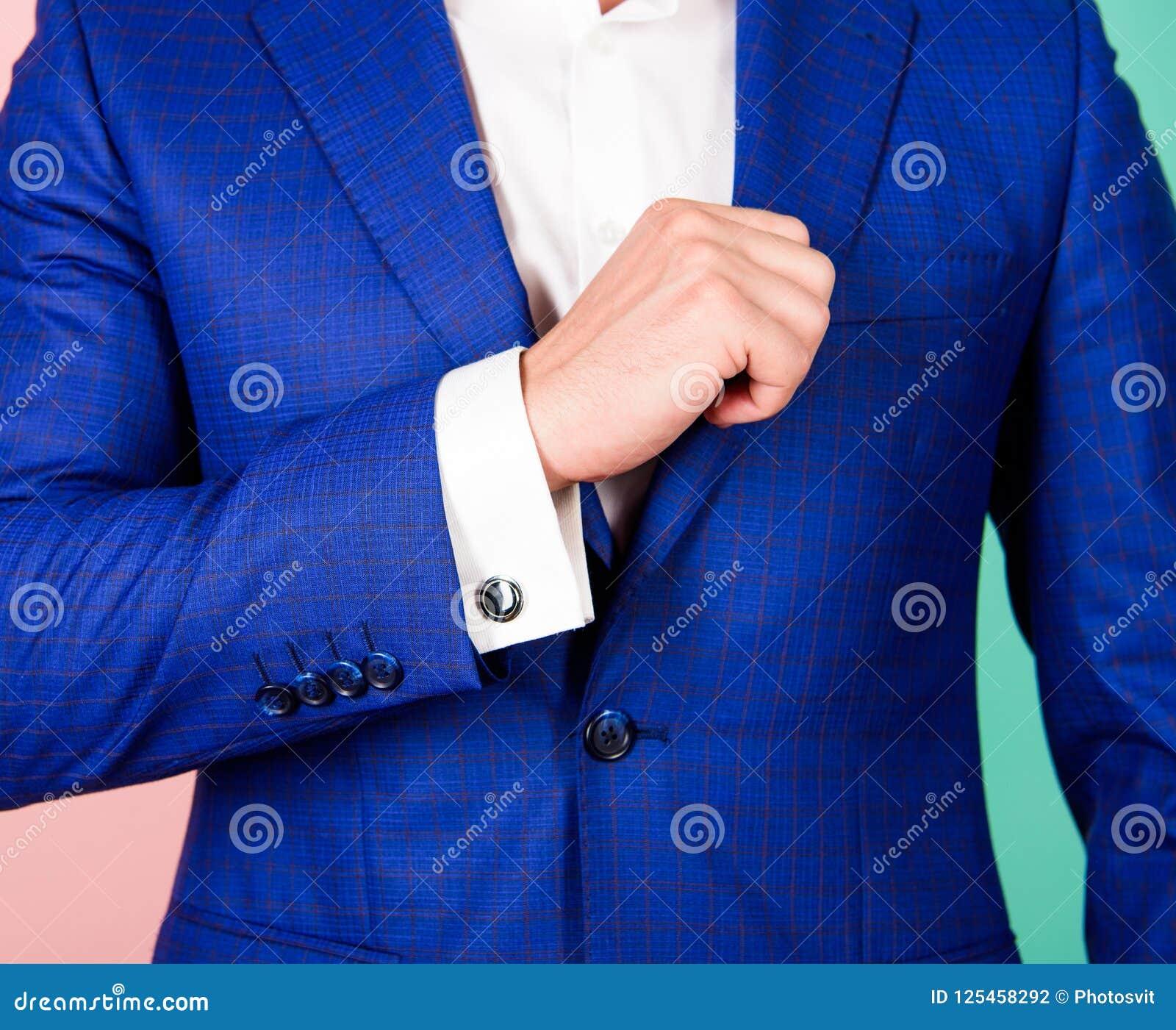 Fashion manlign Skjortamuffen med cufflinken knäppas i stället Omslag för dräkt för Cufflinksmatch lyxigt klassiskt Se till dräkt