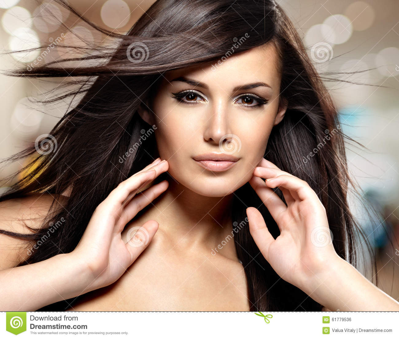 Fashion model with beauty long straight hair.