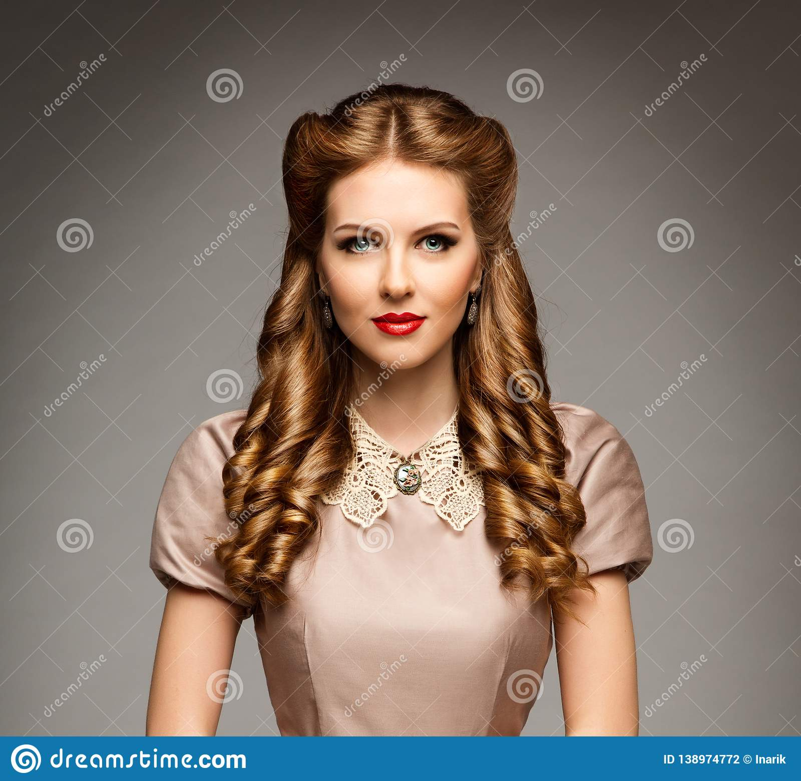 Fashion Model Retro Hairstyle, Elegant Woman Old Fashioned Curly