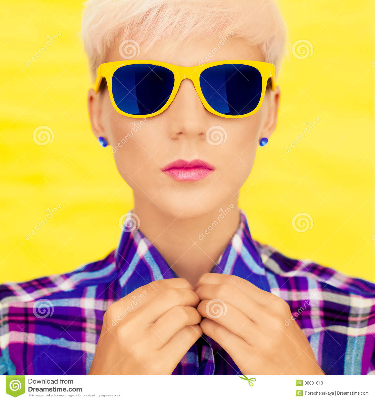 sunglasses fashion  Portrait Of A Girl In Fashion Sunglasses Stock Photo - Image: 30081010