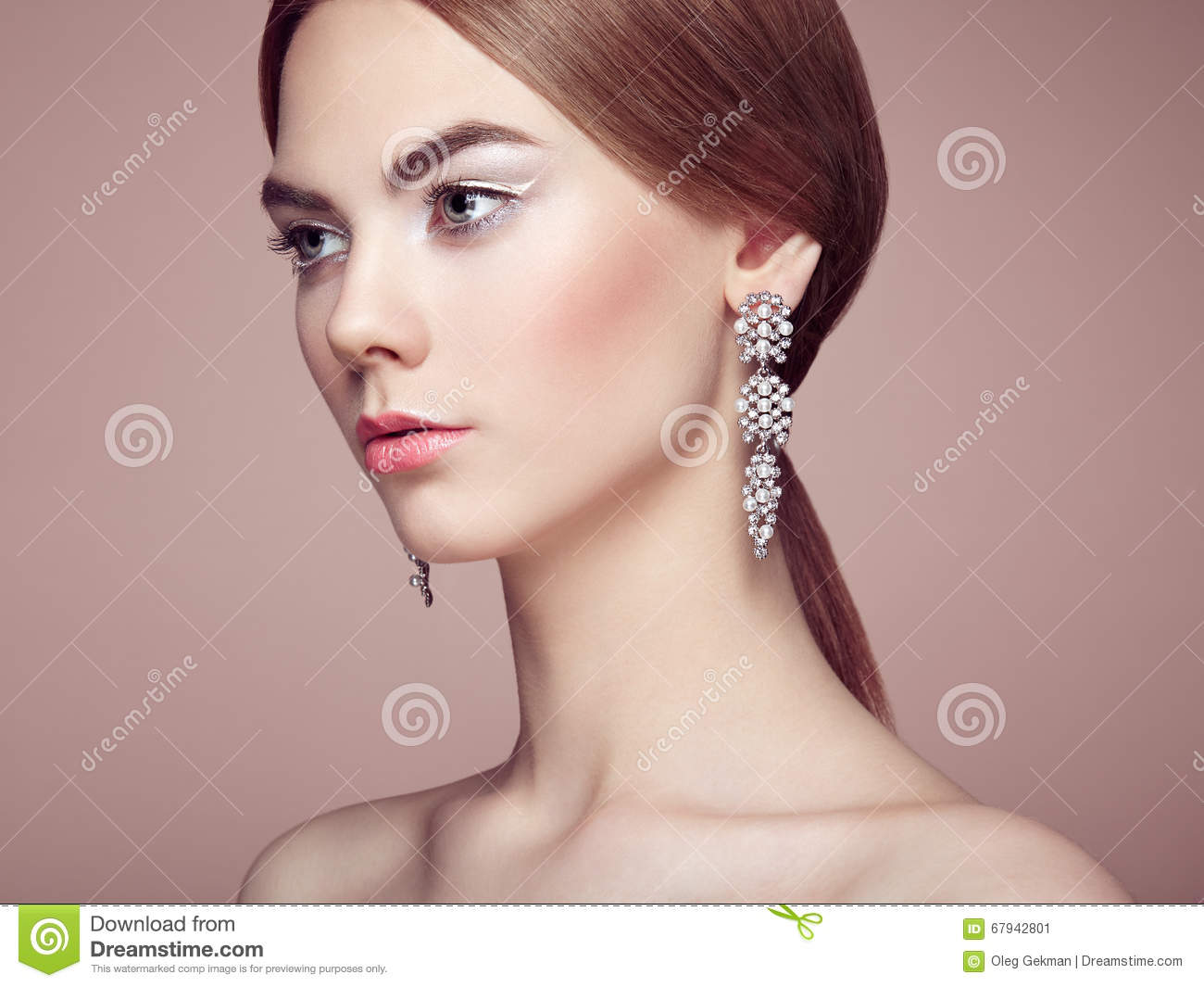 Fashion Portrait Of Young Beautiful Woman With Jewelry Stock Image Image Of Hand Luxurious