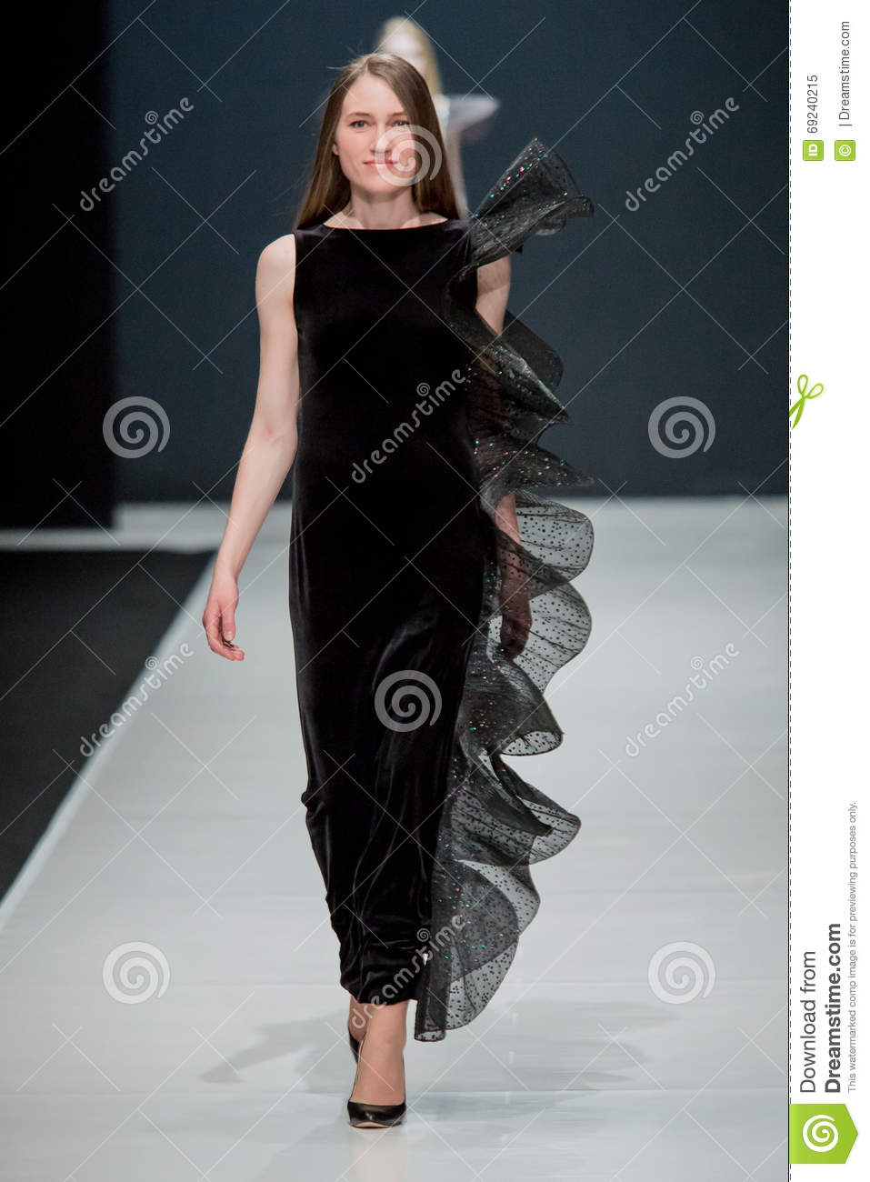 The Fashion Show Pierre Cardin In Moscow Fashion Week With Love For Russia Fall Winter 2016 2017