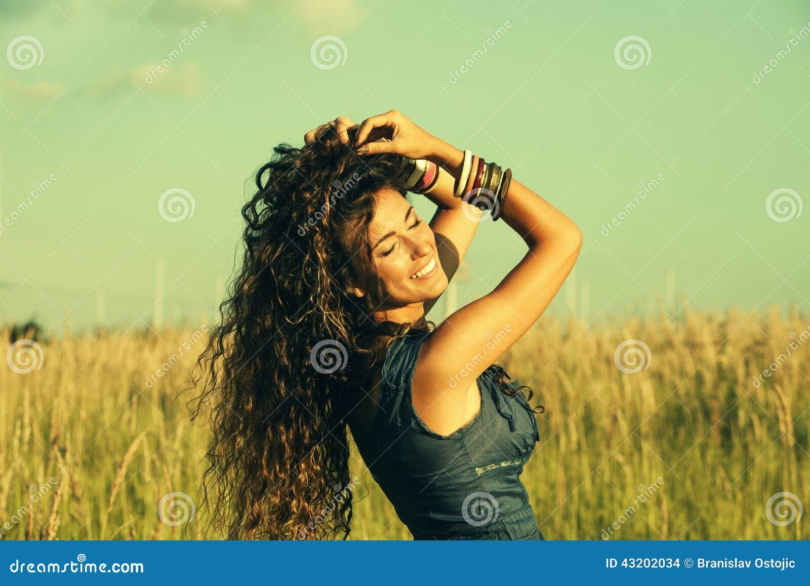 Download Fashion sommaren arkivfoto. Bild av lyckligt, stand, leende - 43202034