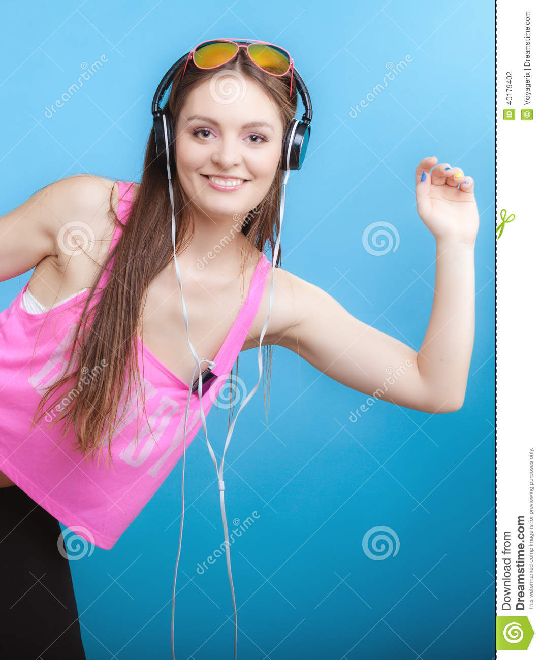 Mp3 Young Down: Fashion Teen Girl Listen Music Mp3 Relax Happy And Dancing