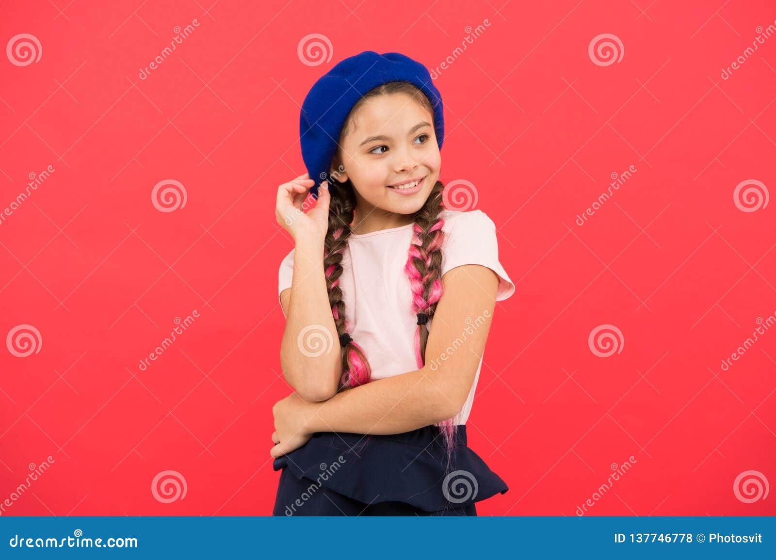 6885ffb5f Fashionable Beret Accessory. Teenage Fashion. French Fashion ...