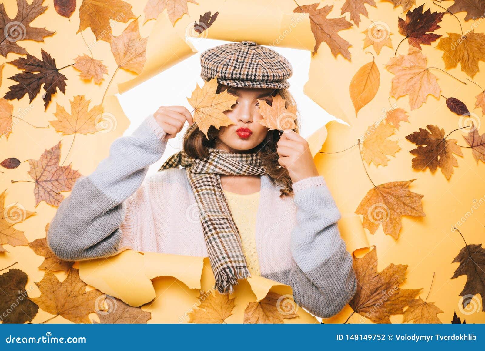 Fashionable cutie. Pretty woman wear autumn fashion accessories. Casual fashion trends for fall. Fashion girl look