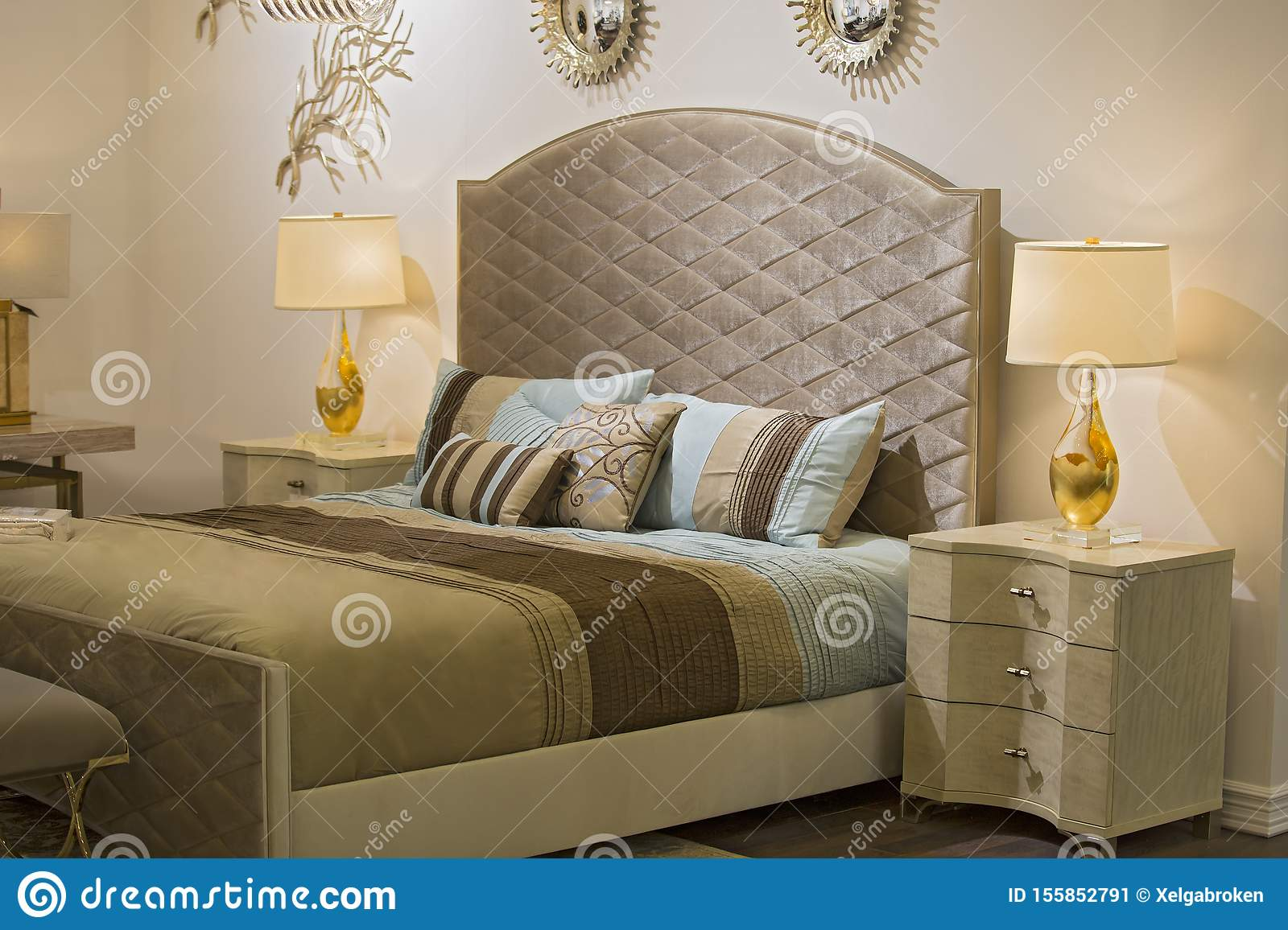 Picture of: Fashionable Modern Bedroom Bed Chandelier Mirrors On The Wall Bedside Table And Lamp Beautiful Textiles On The Bed Chic Stock Image Image Of Architecture Apartment 155852791