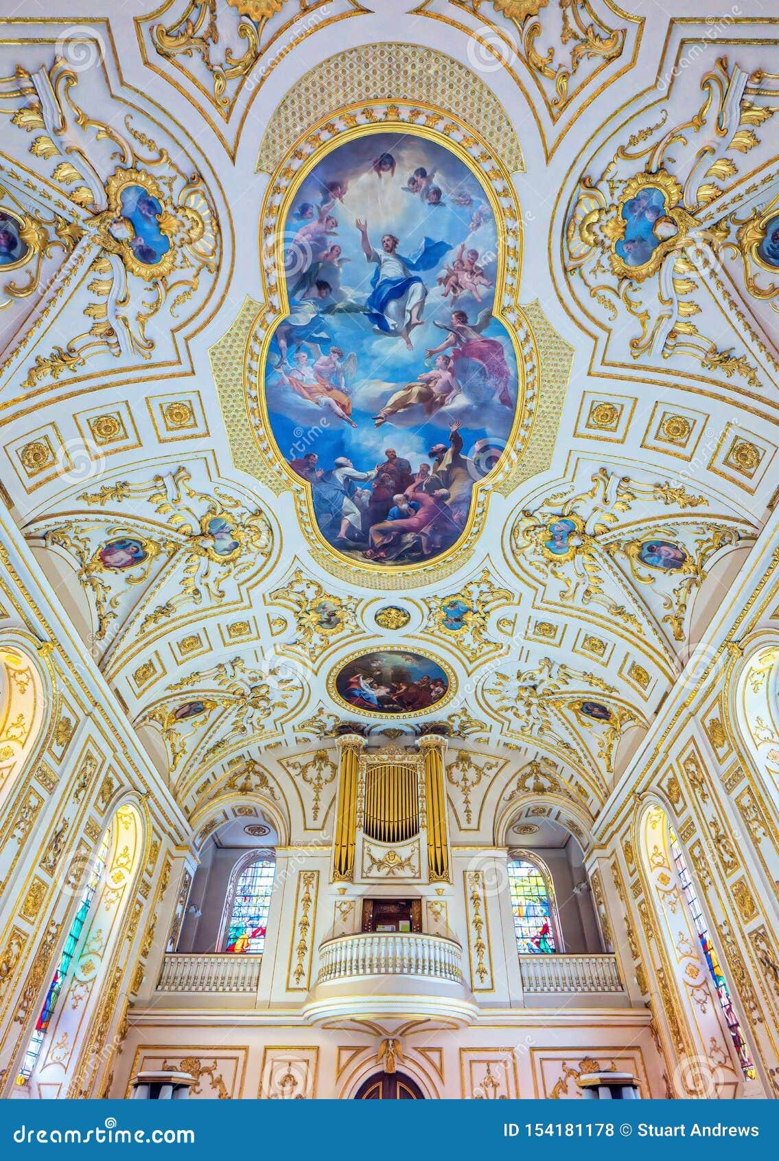 Fass-gewölbte Decke in St Michael und in aller Engels-Kirche, Worcestershire, England