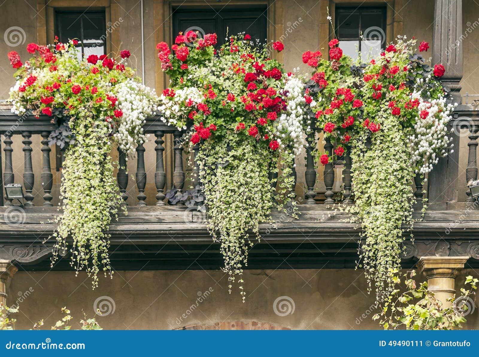 fassade mit balkon stockfoto bild 49490111. Black Bedroom Furniture Sets. Home Design Ideas