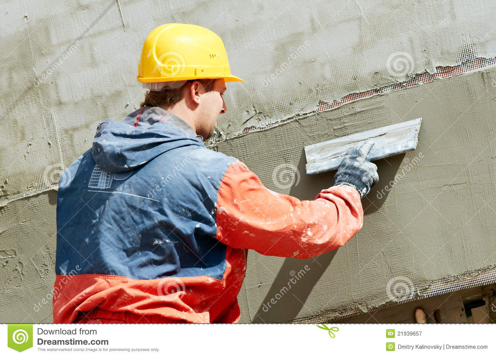 FassadePlasterer bei der Arbeit