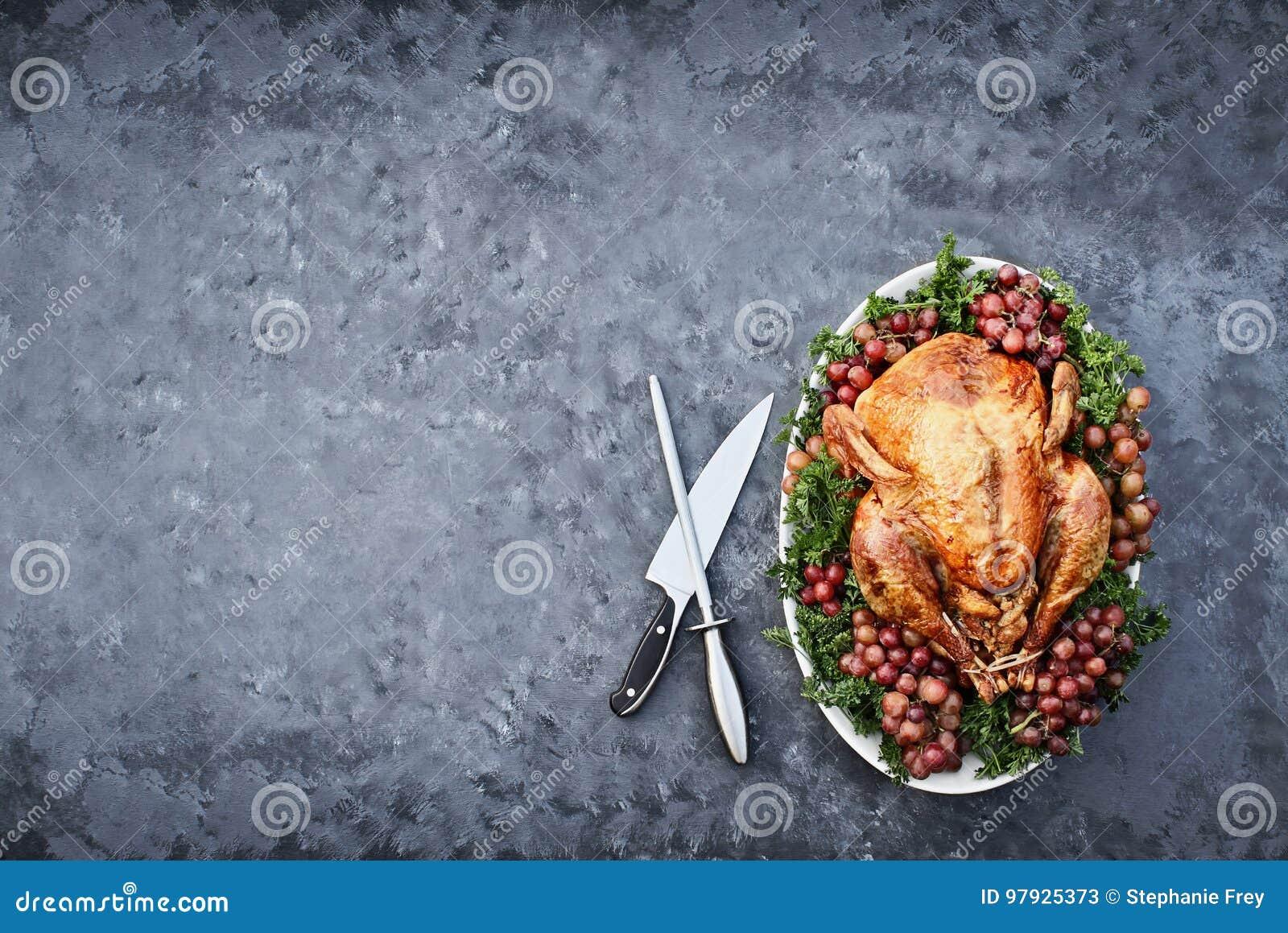 Fast utgiftskott av den läckra grillade tacksägelsen Turkiet med Knif