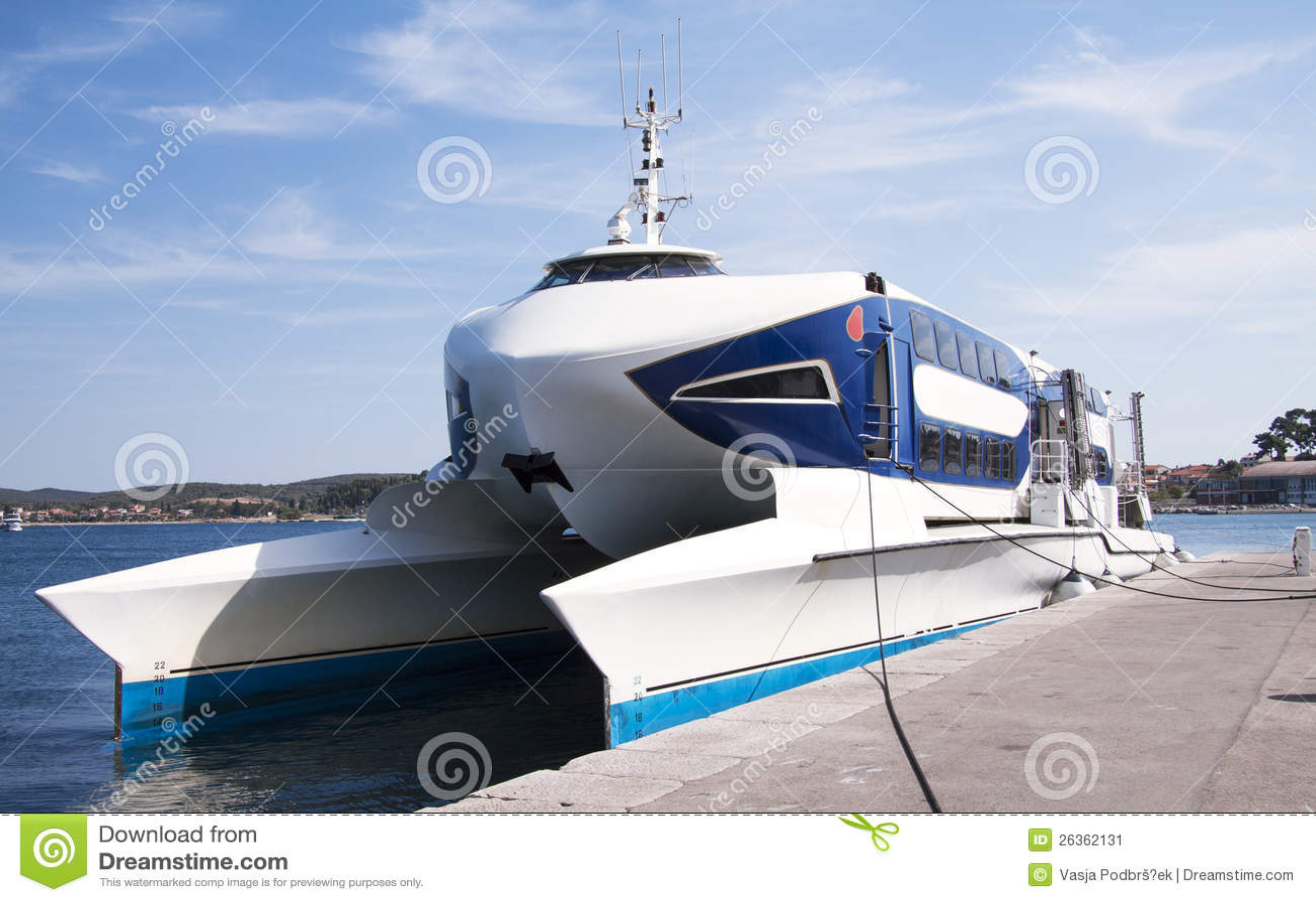 Fasten Katamaranboot