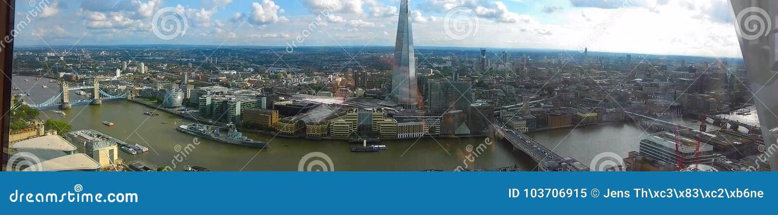 Faszinierende Ansicht über Londons-Skyline