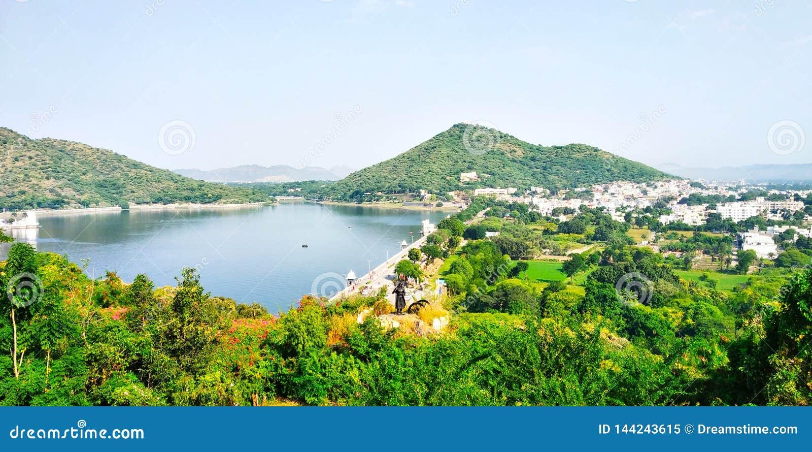 Fateh Sagar Lake Udaipur stock photo. Image of udaipur - 35987332