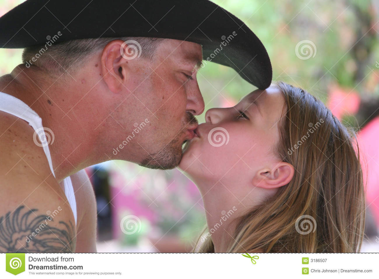 sexy kiss father daughter