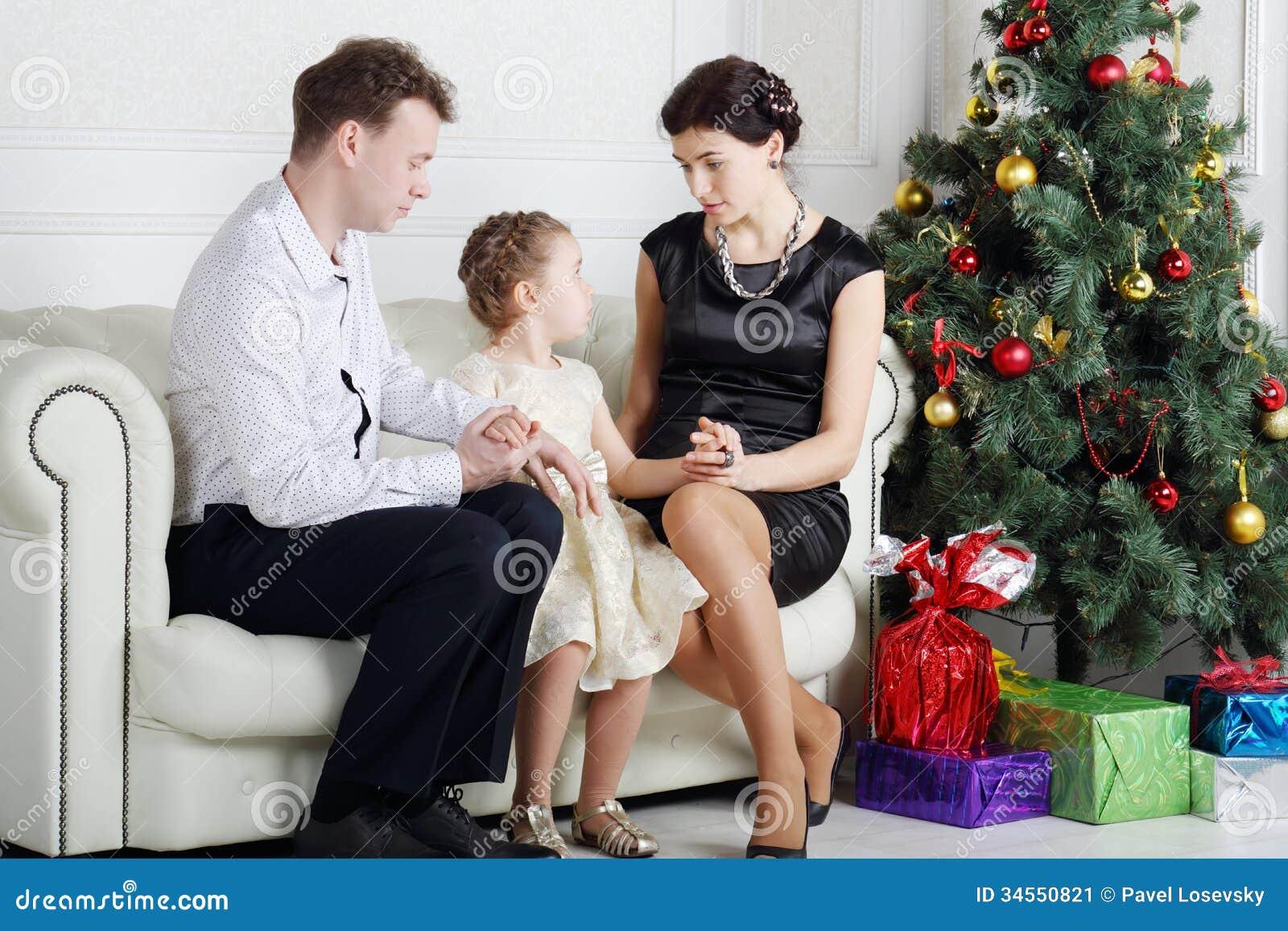 Секс с мамашей в комнате, Роскошно сын ебет мать и вливает ей сперму в нежный 24 фотография