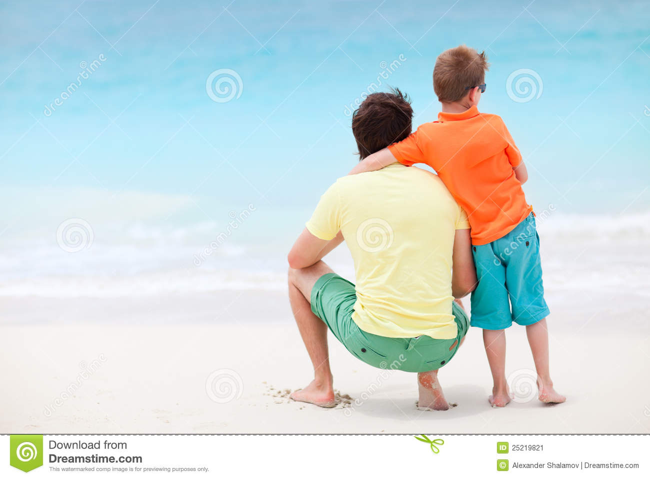 father and son at beach stock image image of seashore 25219821. Black Bedroom Furniture Sets. Home Design Ideas