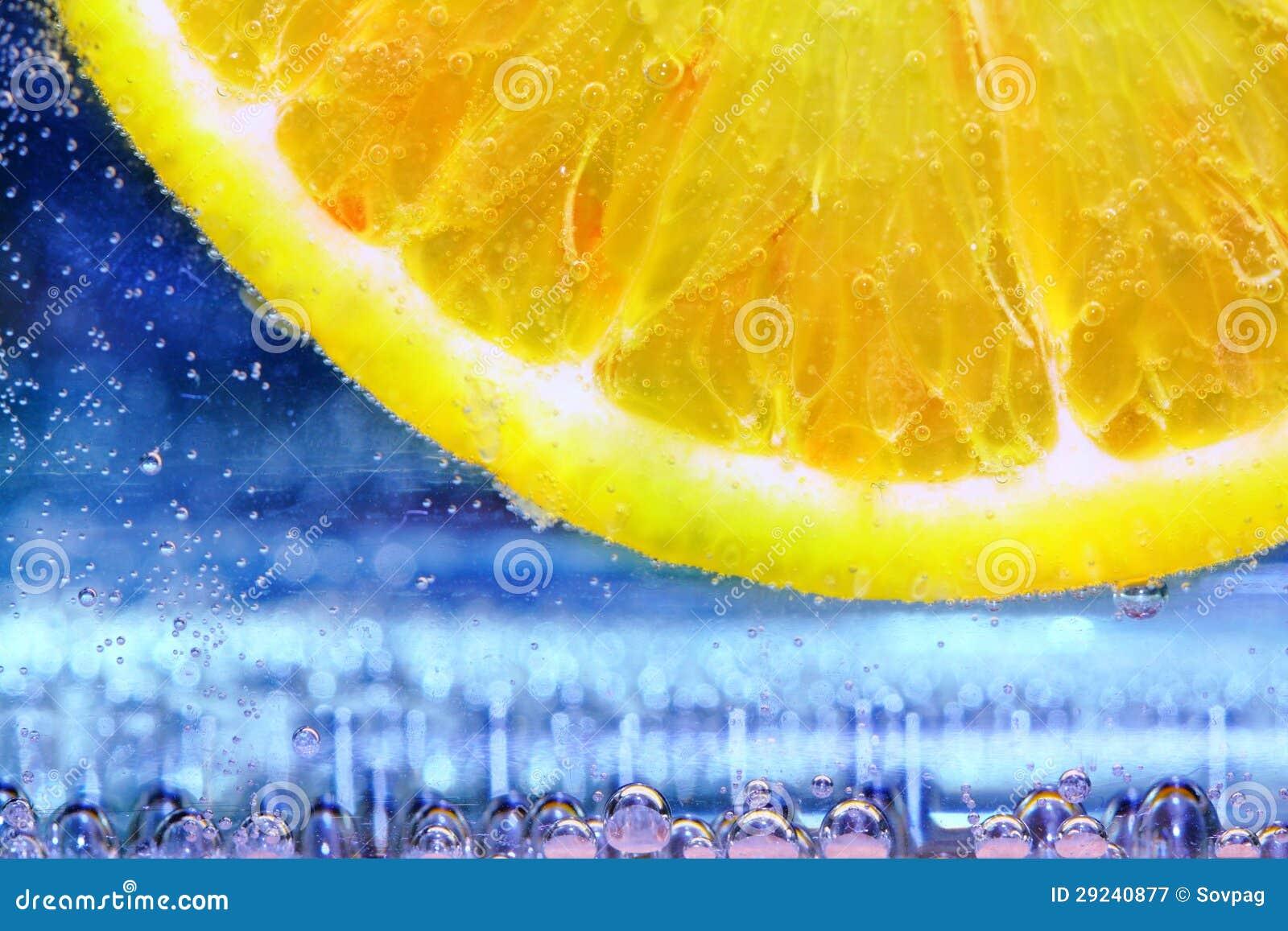 Download Fatia do limão imagem de stock. Imagem de frio, exotic - 29240877