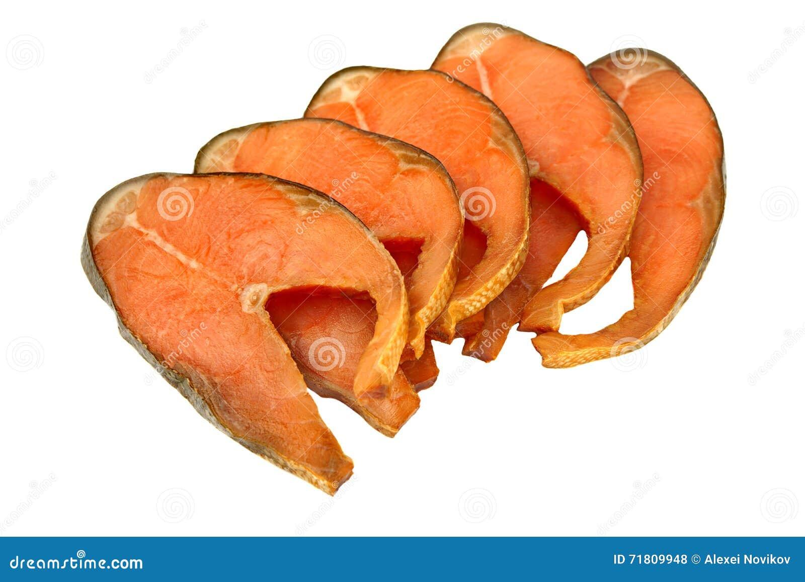 Fatias de Salmon Isolated On White Background cor-de-rosa fumado frio