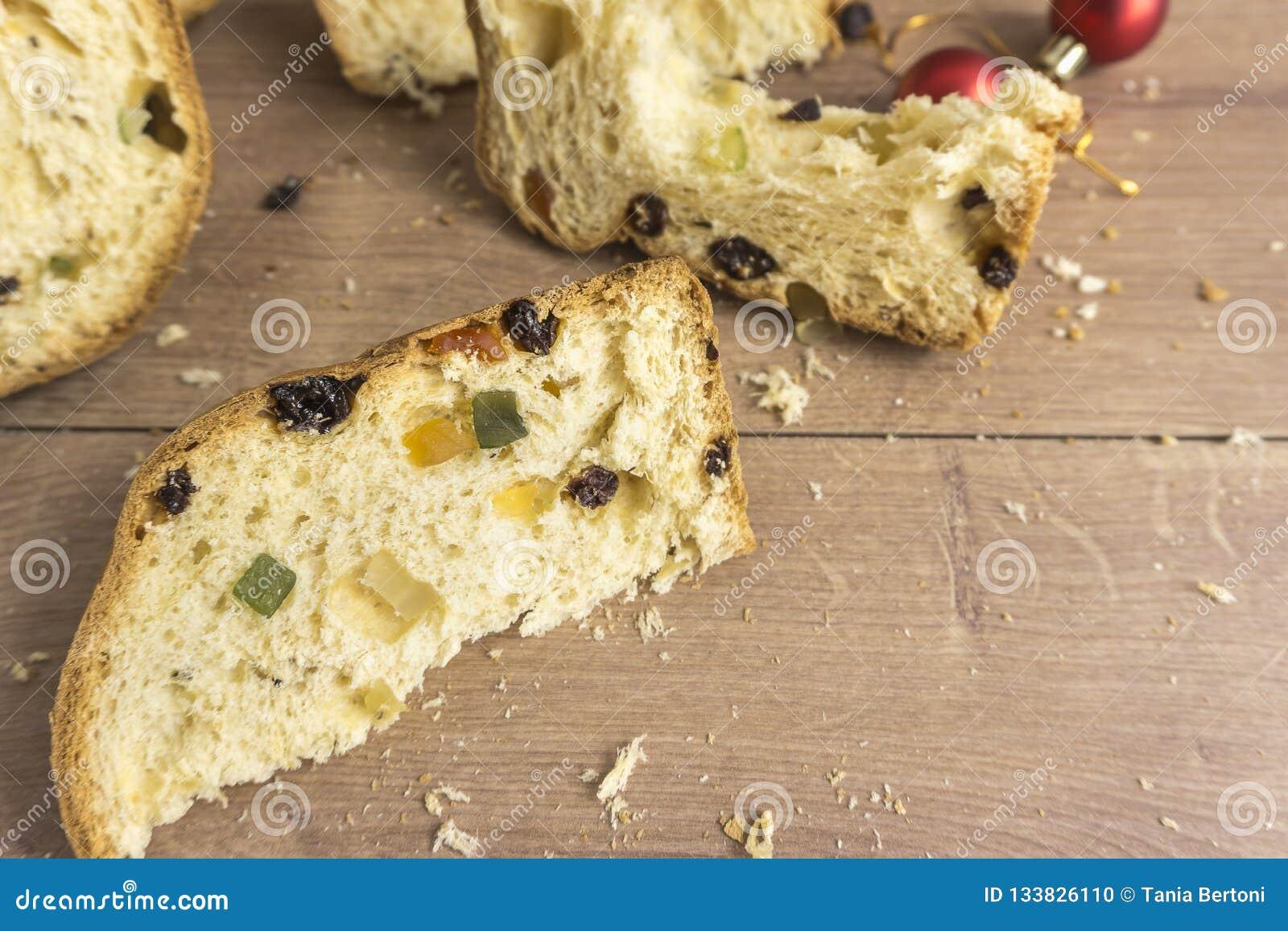 Fatias de sobremesa italiana tradicional do Natal
